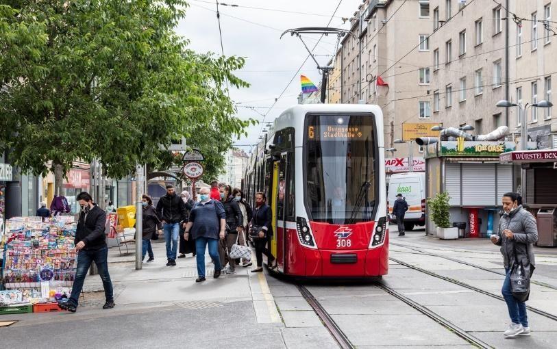 Eine Straßenbahn der Wiener Linien